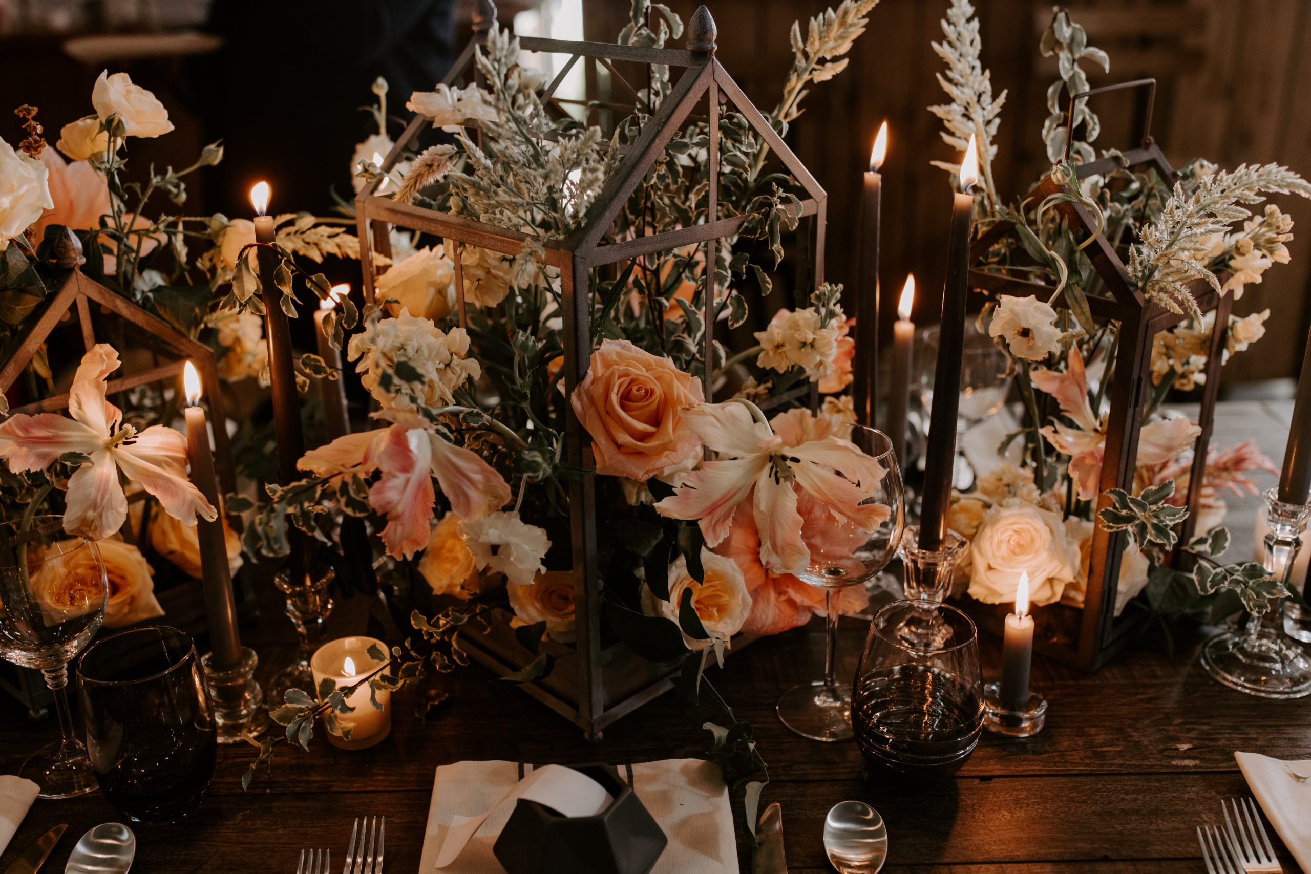 Centerpieces that show a style of an event